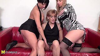 3 old and young lesbian lovers fuck